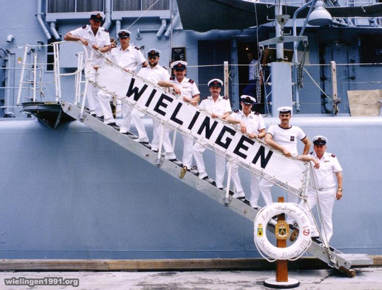 remise de la cloche du F910 Wielingen à Malmedy  06_pont