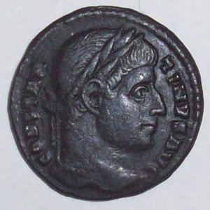 AE3 de Constantino I 47533369