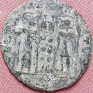 AE3 de Constantino I 208623254