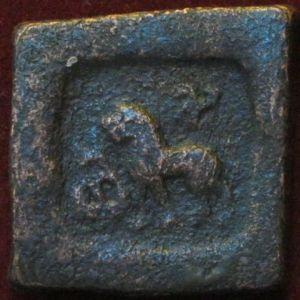 karshapana - 1 karshapana de bronce de Pushkalavati durante el periodo post-Mauryan 524428467
