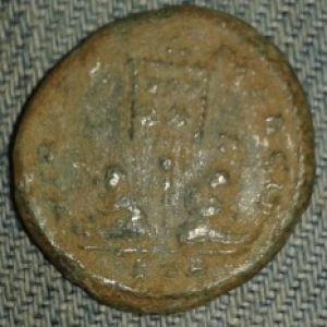 Follis de Licinio II 705253557