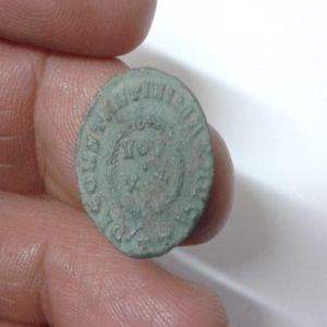 AE3 de Constantino I 757020026