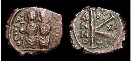 Medio Follis de Justino II y Sophia ,Thesalonica, año 11 Sb0366_type2