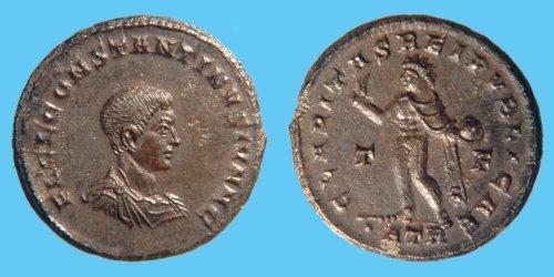 Nummus de Constantino II. CLARITAS REIPVBLICAE. Trier _trier_RIC_vII_154