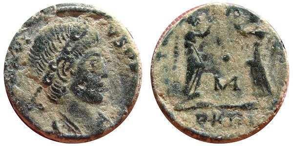 AE4 de Constancio II. VICTORIAE DD AVGG Q NN. Arlés _arles_RIC_VIII_078_P