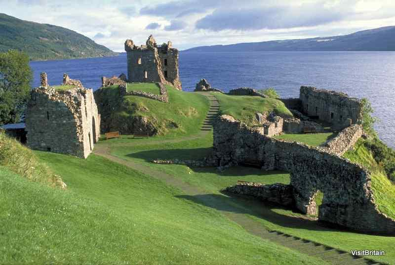 Škotska - Page 2 UK_Scotland_Loch_Ness_00199381caf24656baaec0e0e10502d9