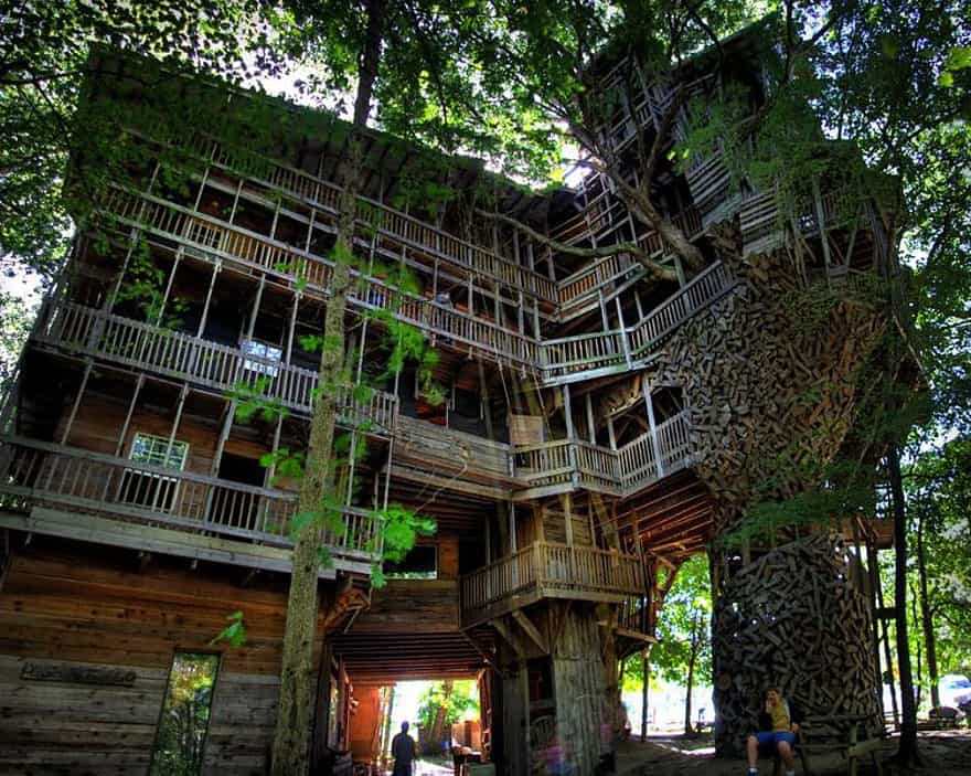 10 Fantastic Treehouse Homes That Will Blow Your Mind! Ministers-treehouse