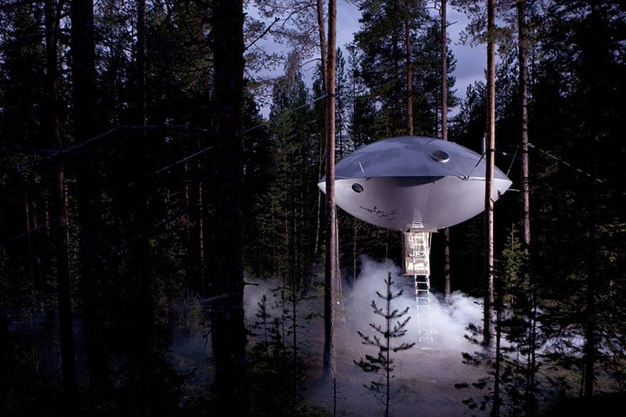 10 Fantastic Treehouse Homes That Will Blow Your Mind! Ufo-treehouse