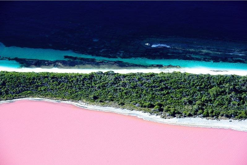 10 Places So Surreal They Could Be From Other Planets Lake-Hillier