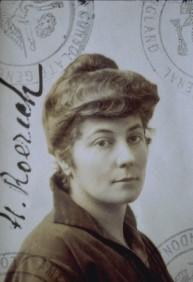Elena Roerich Bw-Helena_passport-sm