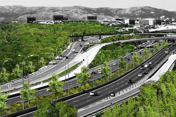 Beauté urbaine Rsz_highway-madrid-is-covering-itself-in-plants-to-help-fight