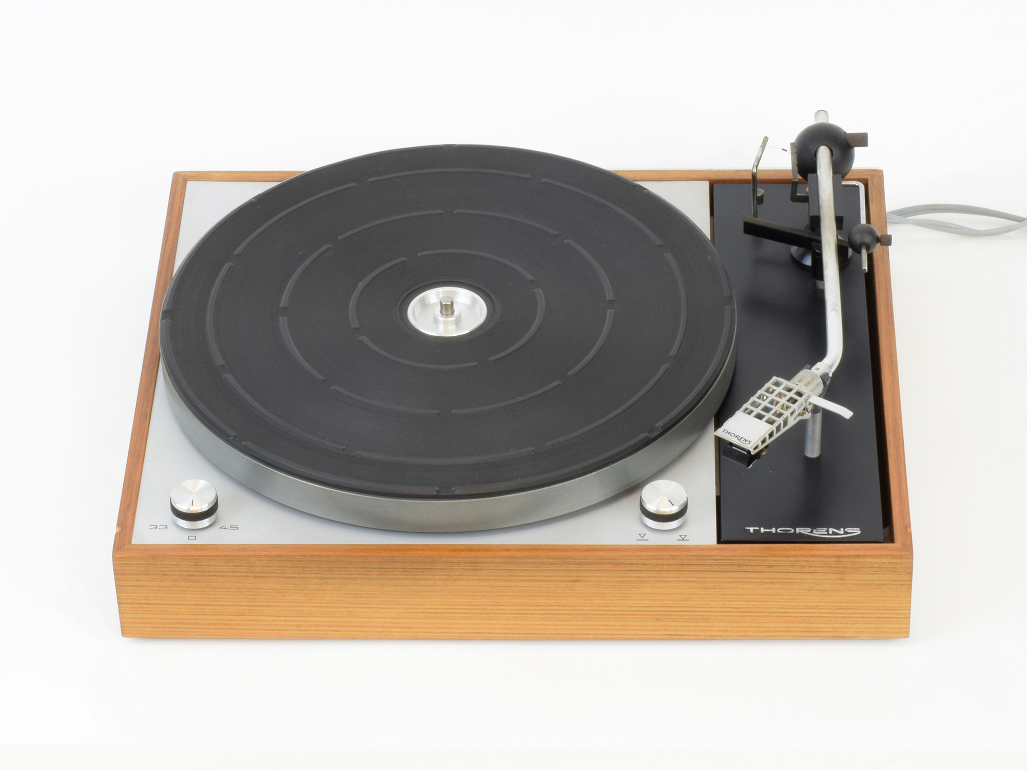 BEST vintage tocadiscos . Cuáles fueron A++++ Thorens_TD150mk2_010_CRW