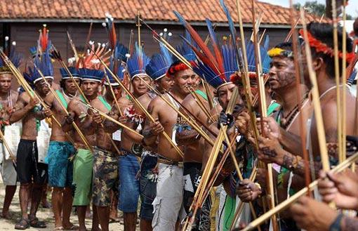 Brazil - Page 9 Amazon-tribes_attending_world-social-forum_209_brazil