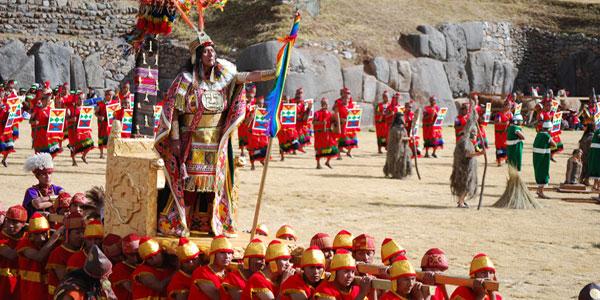 Erik Il Grande The-Emperor-aka-The-Inca-reigns-over-Inti-Raymi-wpcki