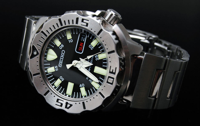 ¿Qué SEIKO llevas puesto hoy? - Página 10 Seiko-Mens-SKX779-Black-Monster-Automatic-Dive-Stainless-steel-Watch-700x441