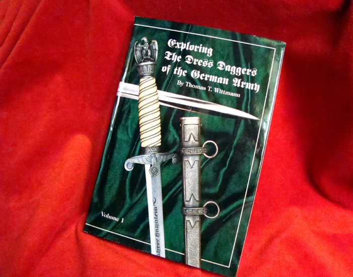 Dague Heer Armybook