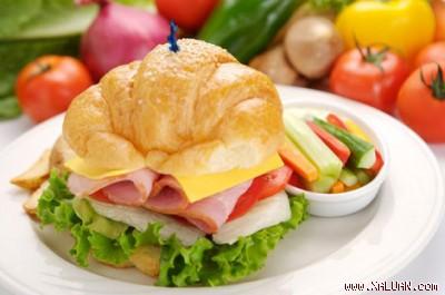 """""""Ăn sáng: Giờ ăn của """"heo'' 1230708219.img"""