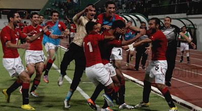 بالفيديو // .المنتخب الاوليمبي المصرى  يفوز  ويتأهل لأوليمبياد لندن 2012  M126-11-2011-23-15-27