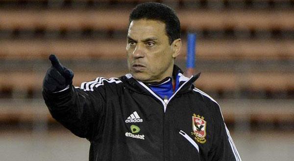 البدري: الأوضاع في مصر تشتت تركيز اللاعبين وأسعى لعزلهم عنها Hossam-Badry-6005-12-2012-17-39-39