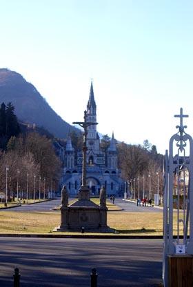 صور من مدينة لورد المقدسة في جنوب فرنسا DSCN8355