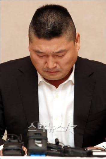 Аzия - news - Страница 2 20110909_kanghodong4
