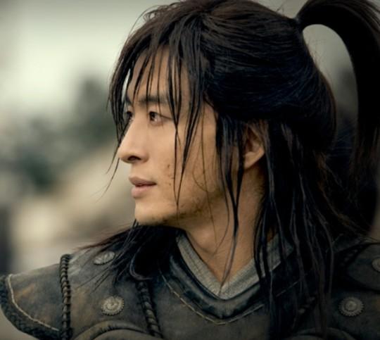 бесТОЛКовые  ↓ рейтинги ↑ - Страница 2 Bae-yong-joon-legend-540x483