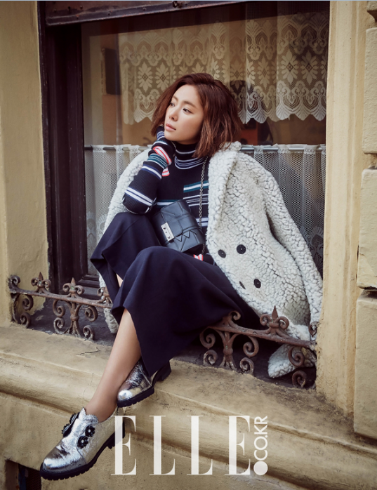Кинодивы - Страница 3 Hwang-jung-eum-elle-magazine-january-2016-photos-1-537x698