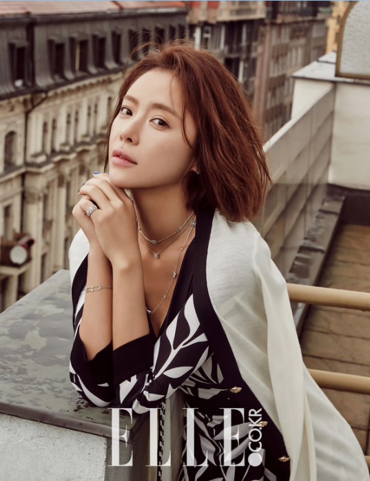 Кинодивы - Страница 3 Hwang-jung-eum-elle-magazine-january-2016-photos-537x699