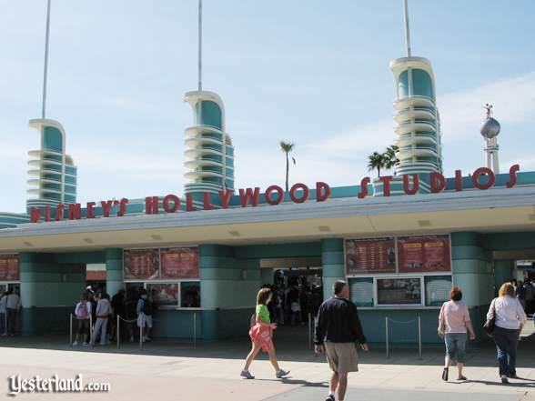 [Disney's Hollywood Studios] Changements de nom (anciennement Disney-MGM Studios) - Page 2 Dhs_gates