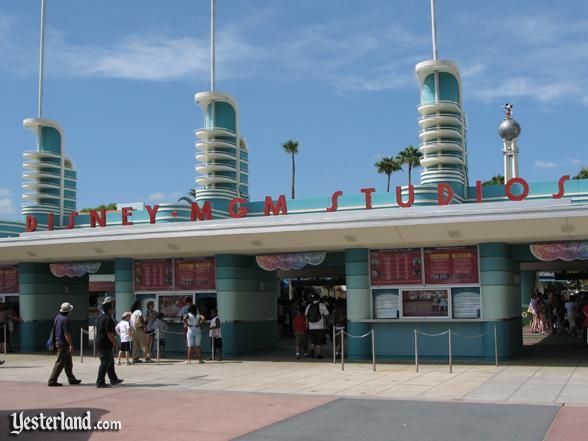 [Disney's Hollywood Studios] Changements de nom (anciennement Disney-MGM Studios) - Page 2 Mgm_gates