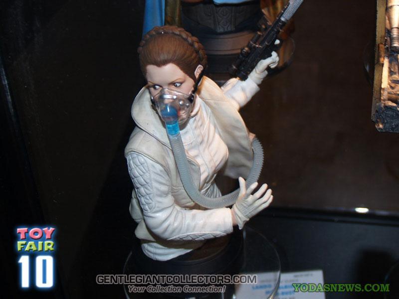 Gentle Giant - Hoth Leia Mini Bust Sneak Peek Ssleia56