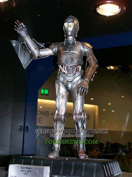 C3PO AOTC Statue gentle giant 011