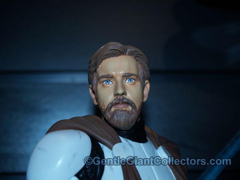 Obi-Wan Kenobi in Clone Trooper Armor Mini Bust - Page 2 P1017328