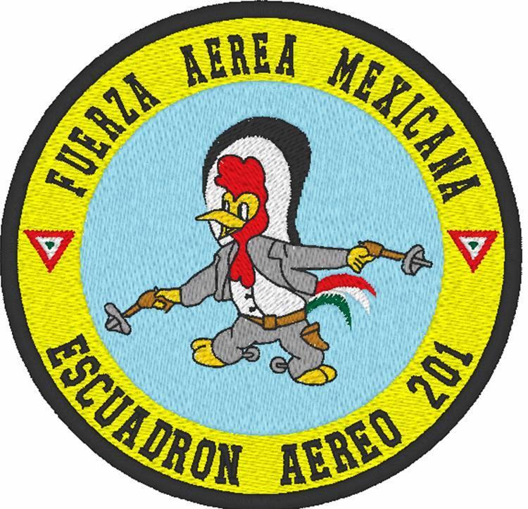 ¿Insignia militar? encontrado en el centro de Monterrey Pancho-pistolas-GRANDE