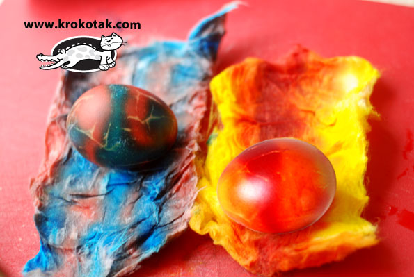 Красим пасхальные яйца 1427016852_youloveit_ru_kak-okrashivat_yaica_gradientom_s_pomoshiu_vaty05