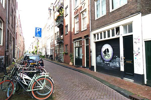 Amsterdam la Rouge [Catwoman] Street-art-in-amsterdam-3