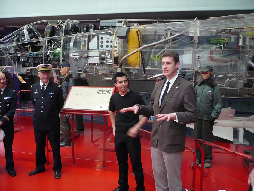 JA débarque au Bourget le 8 mai 2009 - Page 9 Bourget070m