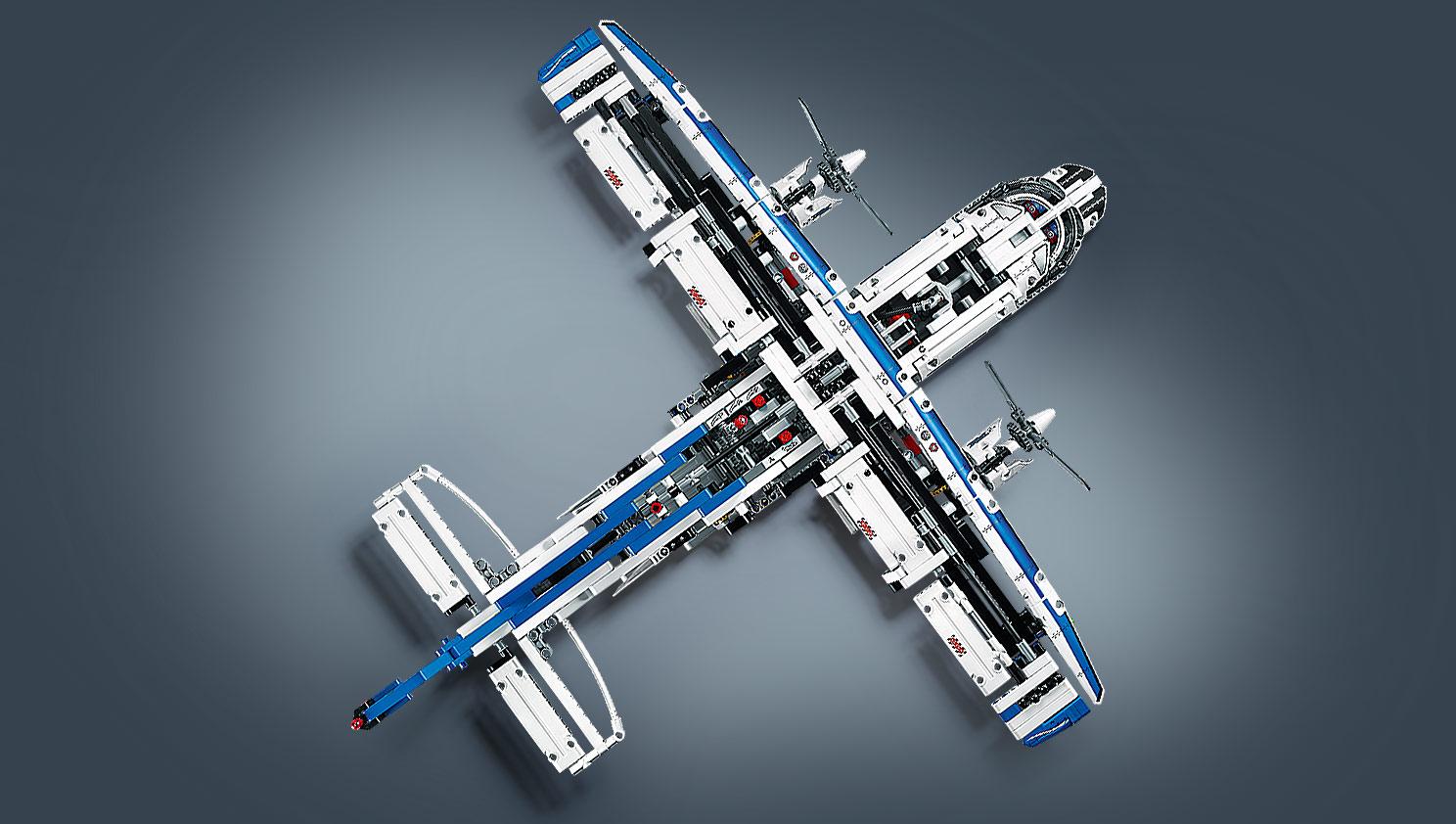 Lego Technic 42025 : l'avion cargo 42025_Additional-Image_04
