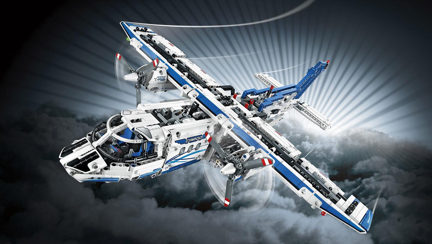 Lego Technic 42025 : l'avion cargo 42025_Webfiles_SECIMG