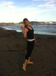 Takaco Inoue's blog (2012.07.17) — YUI at the Beach! 2012.07.17-Takaco-Inoue-7-224x300