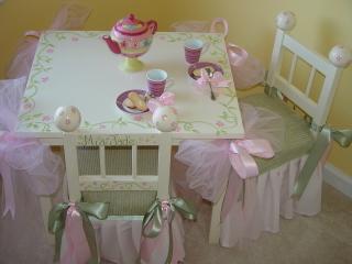 طاولات للبنوتات الحلووين  48ac3322cf