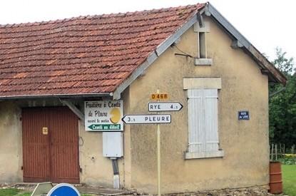 Panneau de signalisation pour papacoz Panneaux-insolites-france-034-415x275