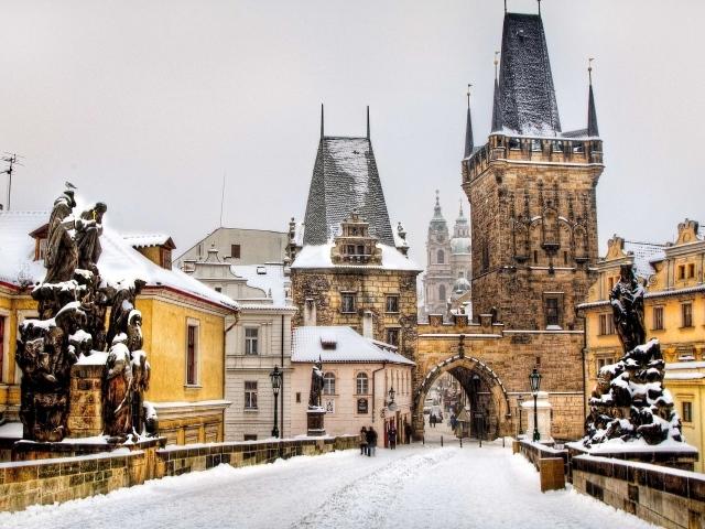 Обои для рабочего стола - природа Winter_Winter_in_the_old_city_037137_29