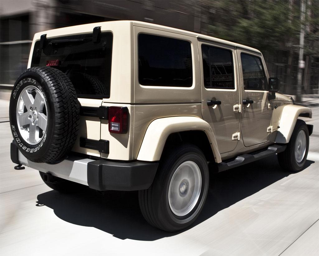 Terenska vozila 2011-Jeep-Wrangler-21