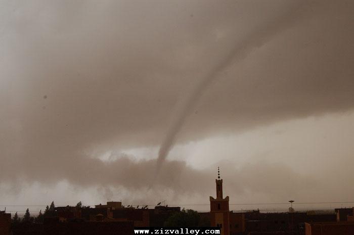 --الرشيدية تتعرض لاعصار مدمر----مع الصور--اتمنى الدعاء Cyclone-errachidia---10
