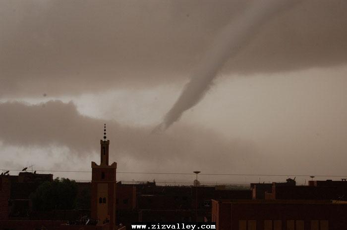 --الرشيدية تتعرض لاعصار مدمر----مع الصور--اتمنى الدعاء Cyclone-errachidia---11