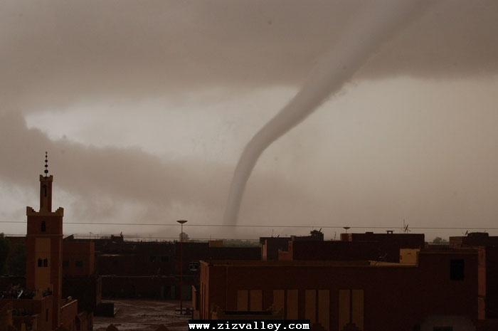 --الرشيدية تتعرض لاعصار مدمر----مع الصور--اتمنى الدعاء Cyclone-errachidia---13