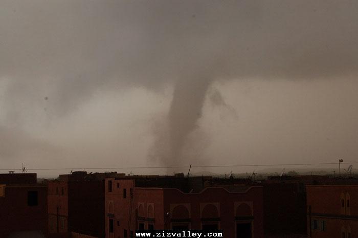 --الرشيدية تتعرض لاعصار مدمر----مع الصور--اتمنى الدعاء Cyclone-errachidia---17