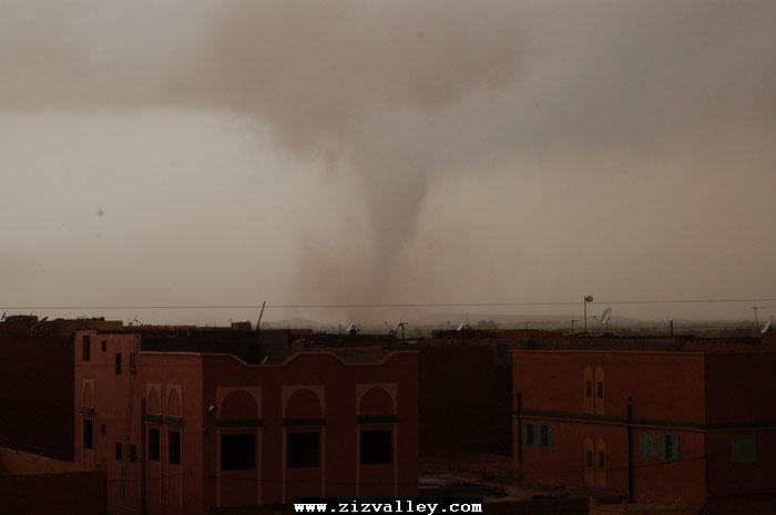 --الرشيدية تتعرض لاعصار مدمر----مع الصور--اتمنى الدعاء Cyclone-errachidia---18
