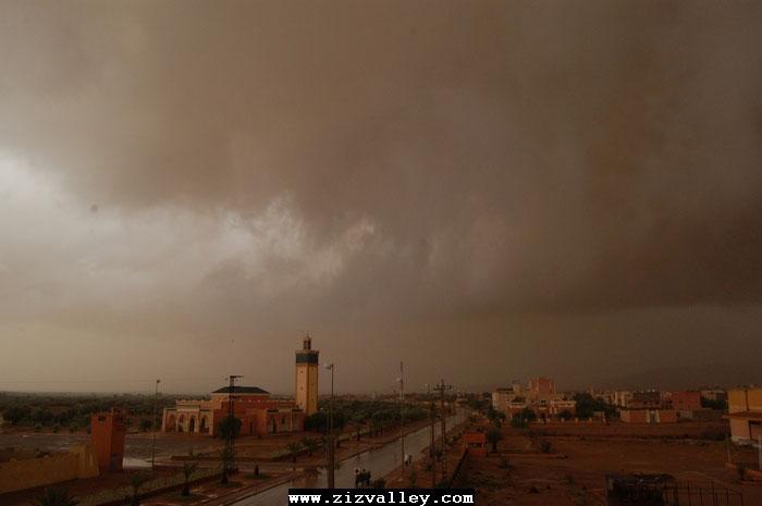 --الرشيدية تتعرض لاعصار مدمر----مع الصور--اتمنى الدعاء Cyclone-errachidia---19